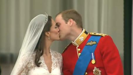 Megházasodott Vilmos herceg! Percről percre tudósítunk a királyi esküvőről!