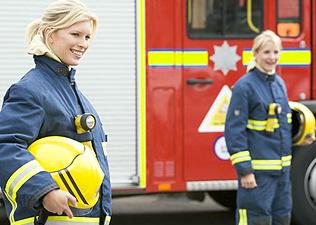 nő, látszó kis tűzoltó