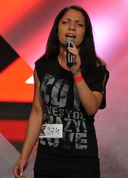 A 16 éves lány, aki beteg bátyjának énekelt az X-Faktorban