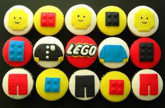 Elképesztő LEGO ihlette édességek