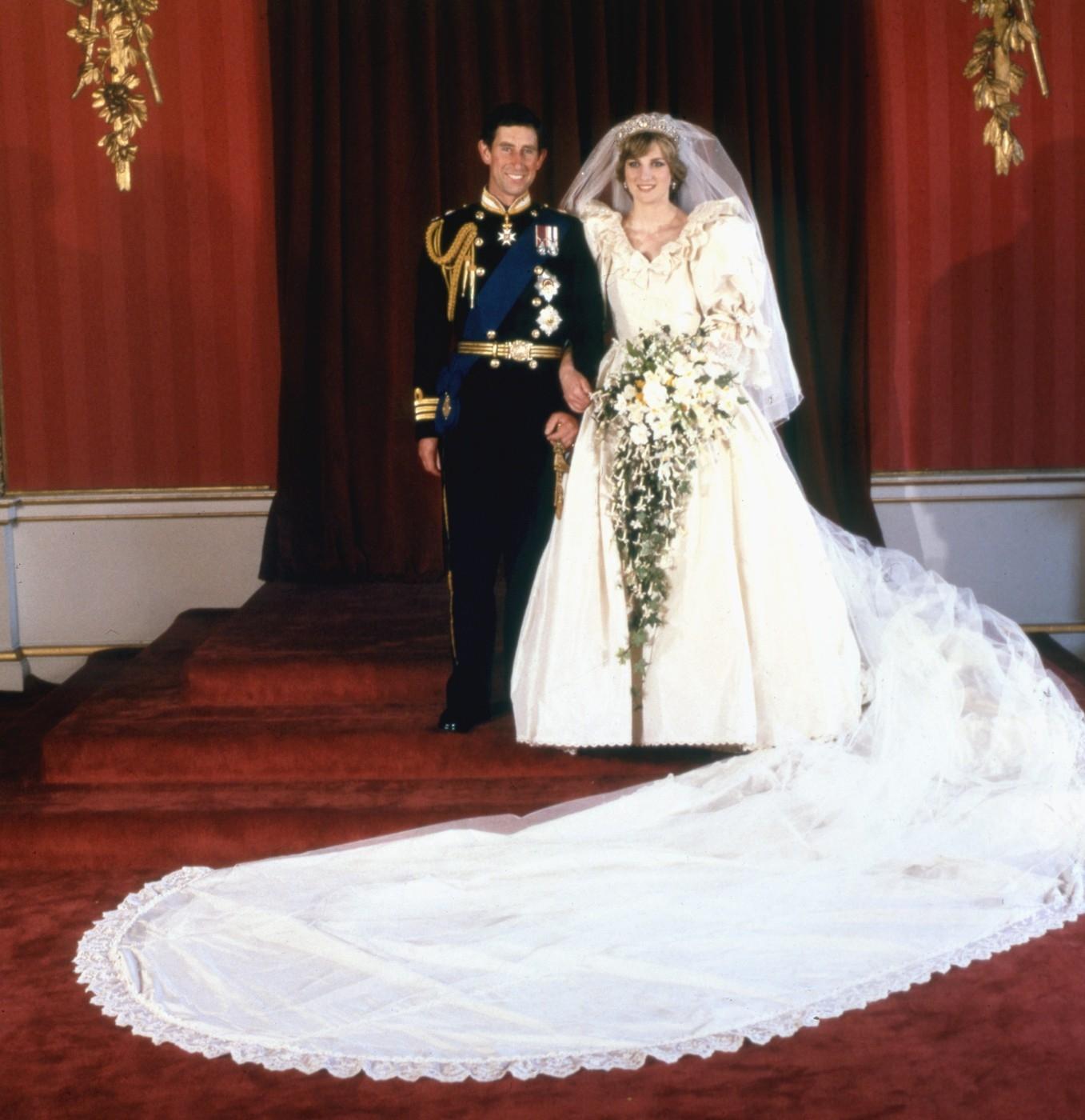 Szexuális és hollywoodi fekete fátyol menyasszonyok