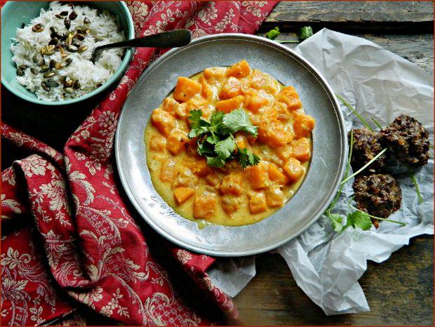 Mit főzzek ma vacsira? Kókuszos–currys sütőtökfőzeléket
