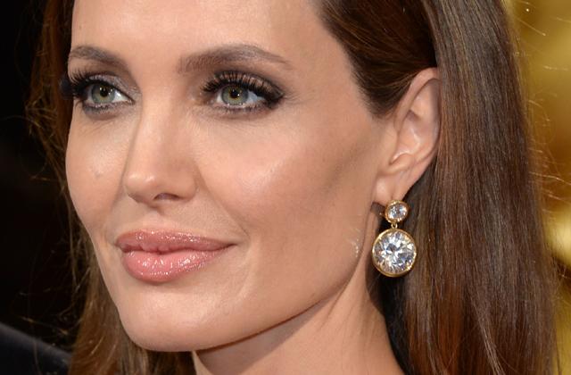Angelina Jolie-nak nem való a főzés
