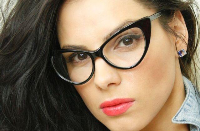 Divat a szemüveg – így válassz keretet!  c99cdb25c2