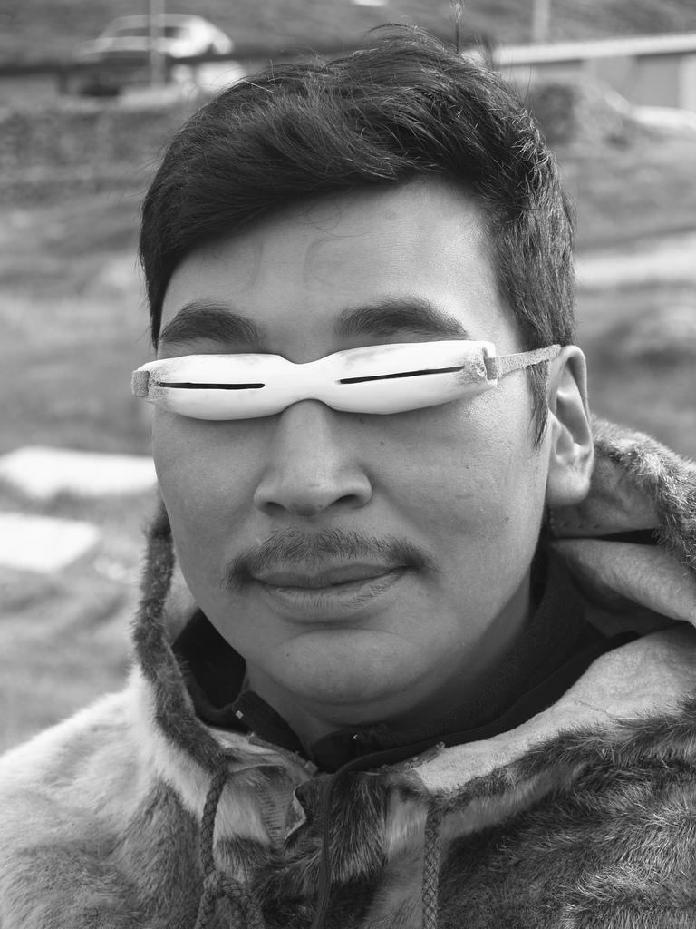 A némafilmek sztárjai hozták divatba – a szemüveg története  b12e345692