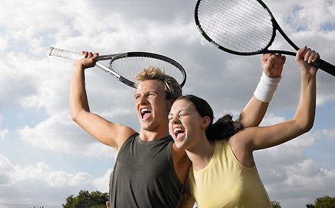 Ki randevúzik, ki a tenisz mit hívsz egy férjhez randevú férjhez?