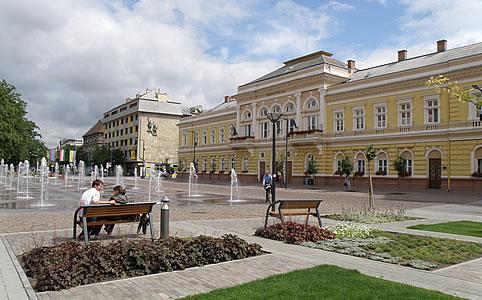 Szolnok, Kossuth tér (Fotó: Tourinform Szolnok)