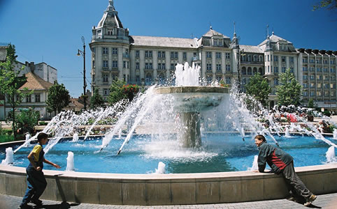 Kis  szökőkút (Fotó: Tourinform, Debrecen)