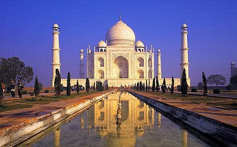 Kőbe vésett romantika -  Taj Mahaltól az Empire State Buildingig