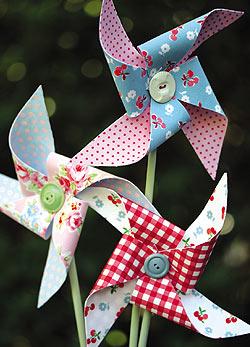 Tavaszi kreatív tipp: tarka szélforgók