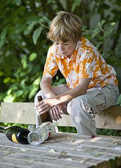 Alkoholfüggő gyerekek: rekordsebességgel ütik ki magukat