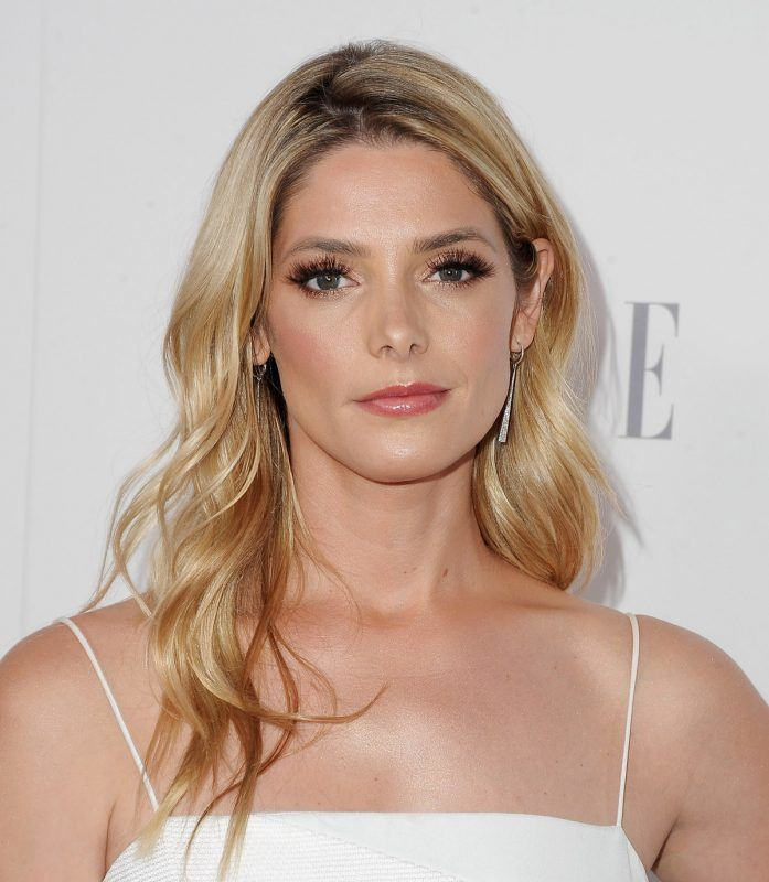 LOS ANGELES, CA - OCTOBER 16:  Actress Ashley Greene arrives at ELLE's 24th Annual Women in Hollywood Celebration at Four Seasons Hotel Los Angeles at Beverly Hills on October 16, 2017 in Los Angeles, California.  (Photo by Jon Kopaloff/FilmMagic)