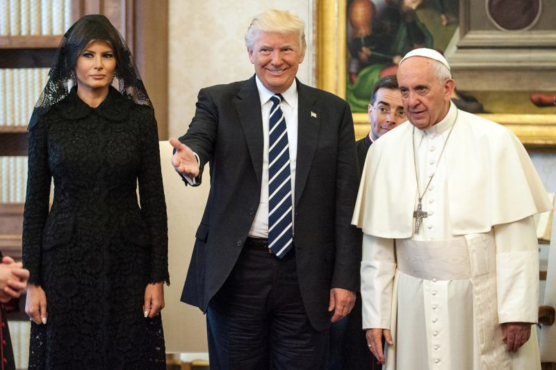 VATICAN CITY, VATICAN - MAY 24:  Pope Francis meets United States President  Donald Trump and First Lady Melania Trump at the Apostolic Palace on May 24, 2017 in Vatican City, Vatican. The President Trump will return on Italy on Friday attending the Group of 7 Summit in Sicily.  (Photo by Vatican Pool/Getty Images)