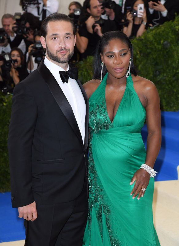 """NEW YORK, NY - MAY 01:  Alexis Ohanian and Serena Williams attend the """"Rei Kawakubo/Comme des Garcons: Art Of The In-Between"""" Costume Institute Gala at the Metropolitan Museum of Art on May 1, 2017 in New York City.  (Photo by Karwai Tang/WireImage)"""