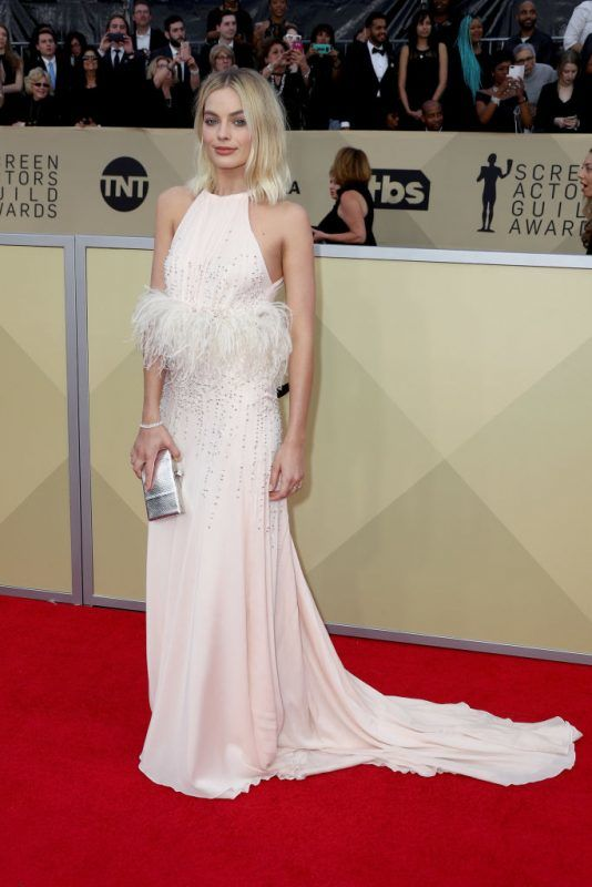 LOS ANGELES, CA - JANUARY 21:  Actor Margot Robbie attends the 24th Annual Screen Actors Guild Awards at The Shrine Auditorium on January 21, 2018 in Los Angeles, California. 27522_017  (Photo by Frederick M. Brown/Getty Images)
